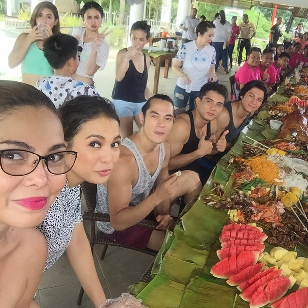 PHOTOS: Boodle fight with the cast of Passion de Amor