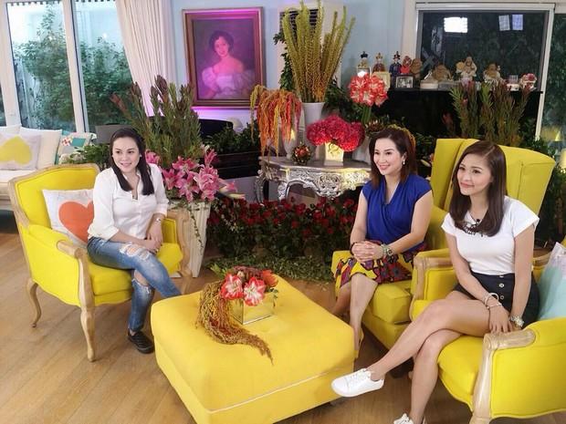 PHOTOS: Chickahan moments of the Queen of All Media Kris Aquino with Optimum Star Claudine Barretto & Chinita Princess Kim Chiu